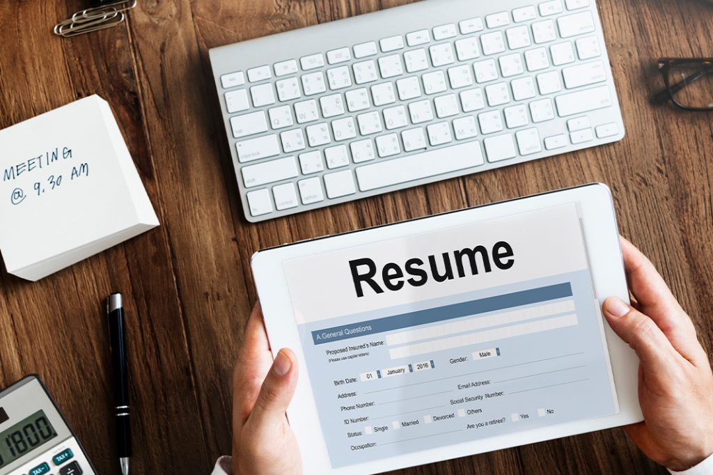 5 Reasons To Skip A Resume Builder